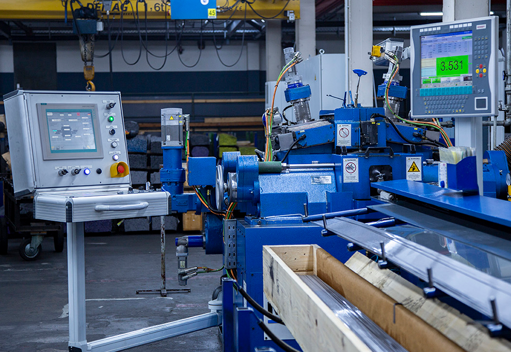 Optimierung der Produktion durch Verdopplung der Schleifkapazität